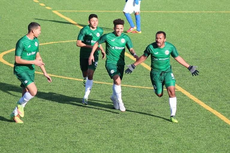 Wellington Medrado, comemorando gol, vivia sonho de ser jogador de futebol