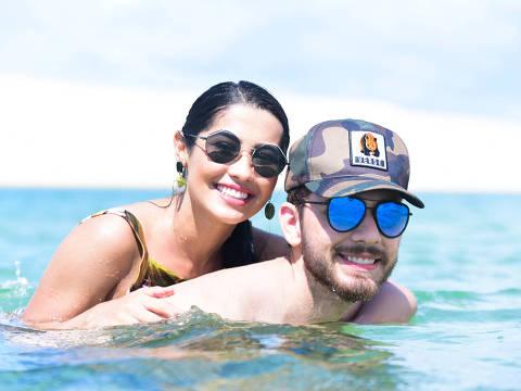 Thaynara OG e o namorado Gustavo Mioto curtem juntos os Lençóis Maranhenses antes do São João da Thay