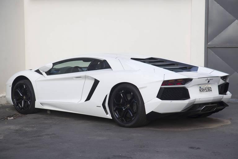 Justiça marca data para venda de Lamborghini de Eike