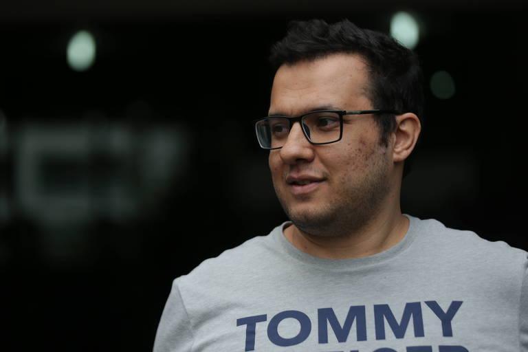 Ali Sipahi deixa o prédio da Justiça Federal em São Paulo