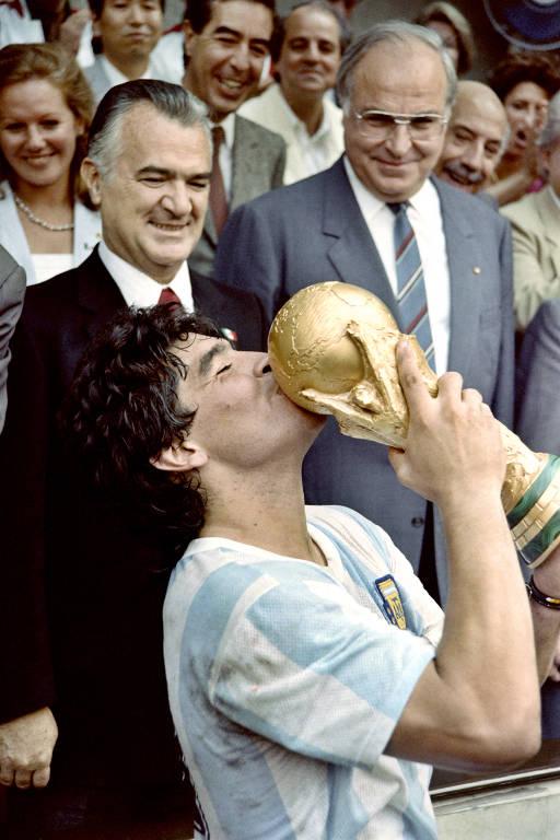 A trajetória de Maradona