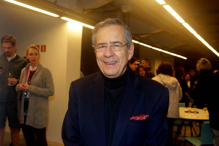 """O apresentador Paulo Henrique Amorim antes da leitura dramática do livro """"Nelson Rodrigues Por Ele Mesmo"""""""