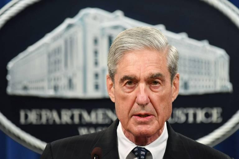 O procurador especial Robert Mueller responde a questões sobre a interefência russa na eleição de 2016 em Washington