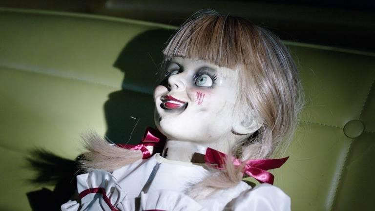Veja imagens do filme 'Annabelle 3'