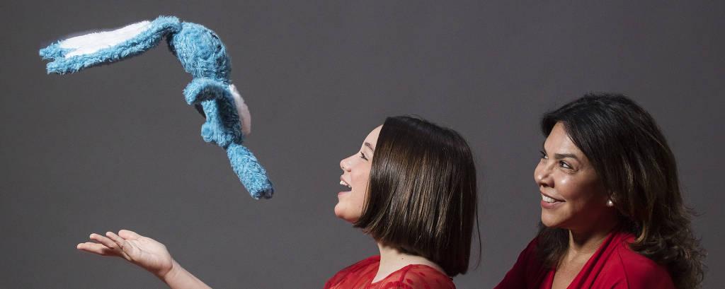 Retrato da atriz Giulia Benite e de  Mônica Sousa, filha de Mauricio de Sousa