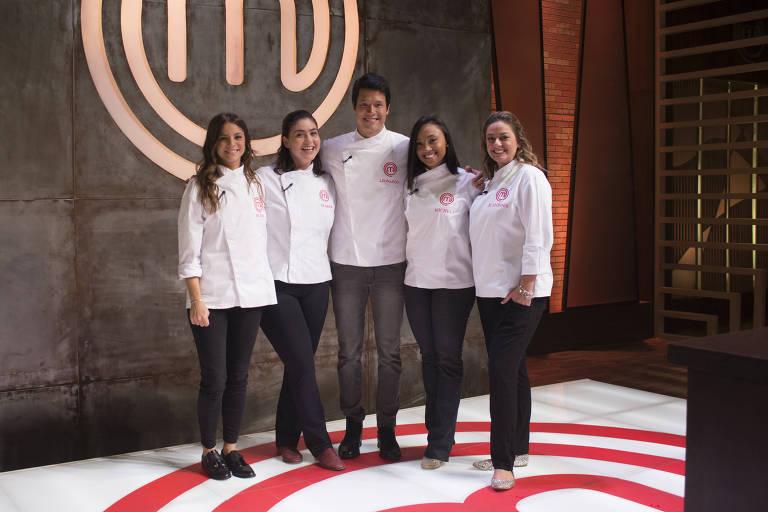 Da esq. para dir., Elisa Fernandes, Izabel Alvares, Leonardo Young, Michele Crispim e Maria Antonia