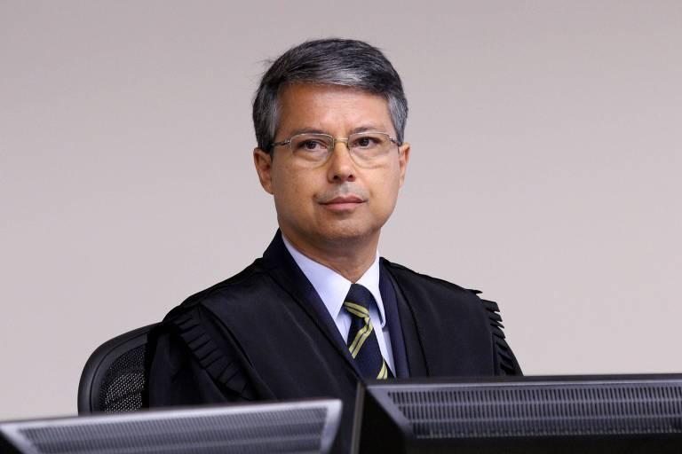 O juiz federal Victor Luiz dos Santos Laus, que assumiu nesta quinta (27) a presidência do TRF-4