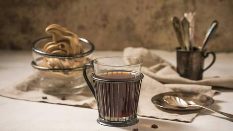 SAO PAULO - SP - 26.04.2018 -  REVISTA SAOPAULO - ESPECIAL MELHOR DE SÃO PAULO -  COFFEE LAB  (PRÊMIO DE MELHOR CAFETERIA) Sorvete de café + um café método coado da casa. FOTO: KEINY ANDRADE/FOLHAPRESS