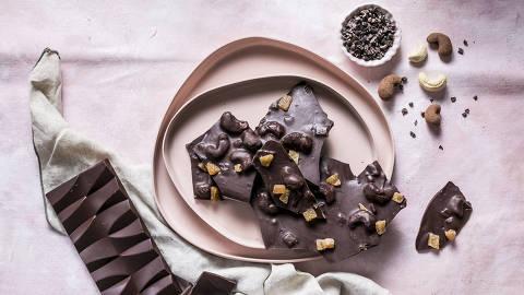 BRASIL - SAO PAULO - 08.05.2019 - O MELHOR DE SAO PAULO - Gastronomia - REVISTA SAO PAULO - Barras de chocolate da Dengo. Foto: KEINY ANDRADE/FOLHAPRESS