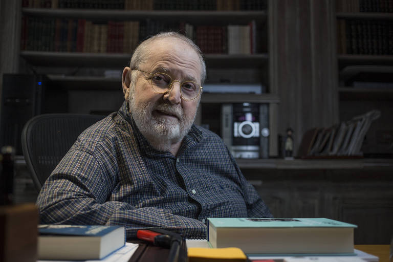 O apresentador, ator e escritor Jô Soares em seu apartamento, na região central de São Paulo