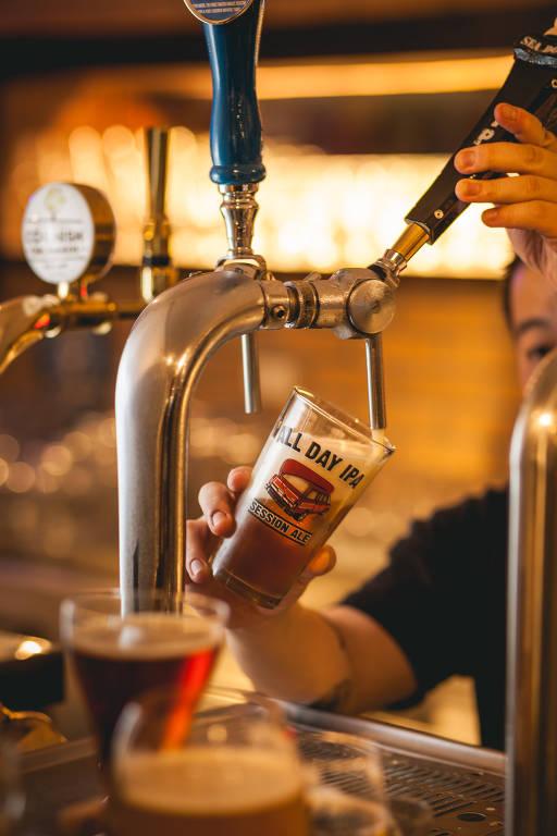 Empório Alto dos Pinheiros e Frangó são melhores bares para beber cerveja, segundo paulistanos