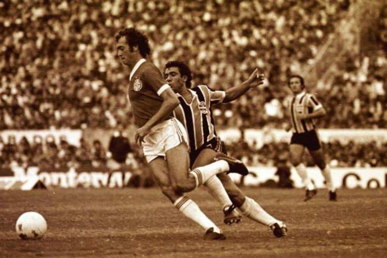 Jurandir persegue Paulo Roberto Falcão em jogo mais importante de sua vida