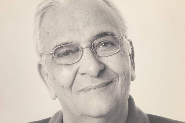 O arquiteto Roberto Thompson Motta, especializado na área de acústica