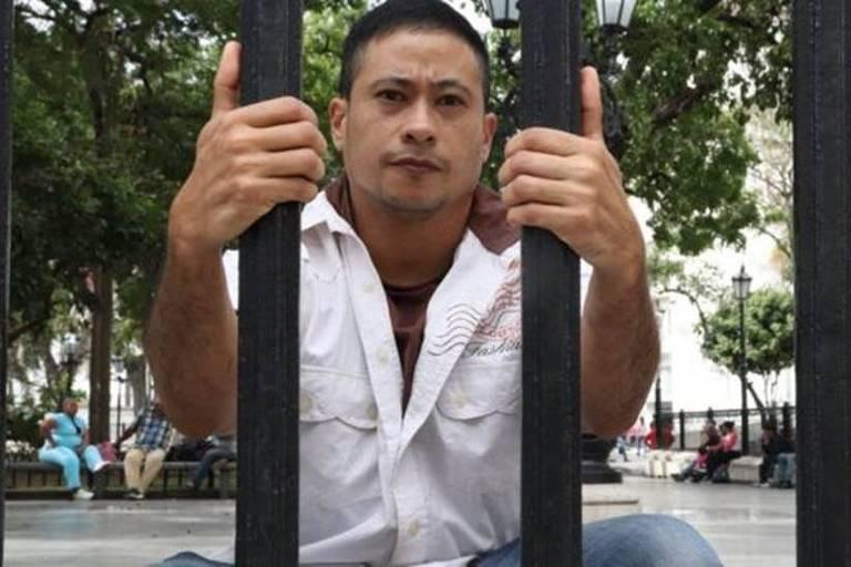 Karl Rodríguez teve que fazer trajeto perigoso para ir à Colômbia e comprar hormônios