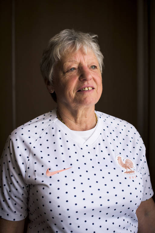 Colette Guyard, 57, que era meio-campista da França no jogo não oficial, em 1971