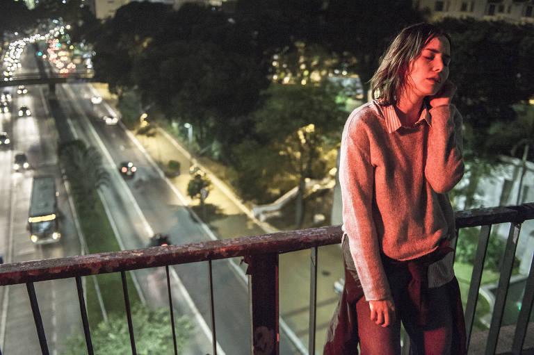 """Leticia Colin em cena da série """"Onde Está Meu Coração"""""""