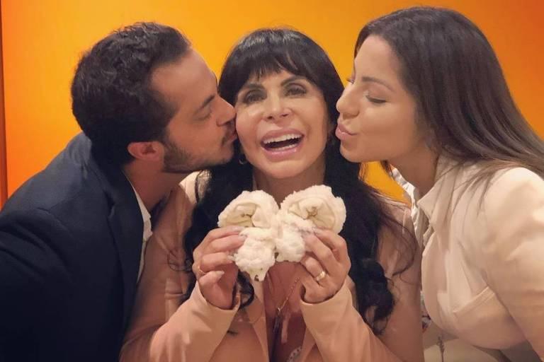 A cantora Gretchen com o filho, Thammy Miranda, e a nora, Andressa Ferreira