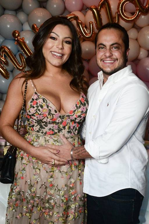 Thammy Miranda com a mulher, Andressa Ferreira, no chá de bebê