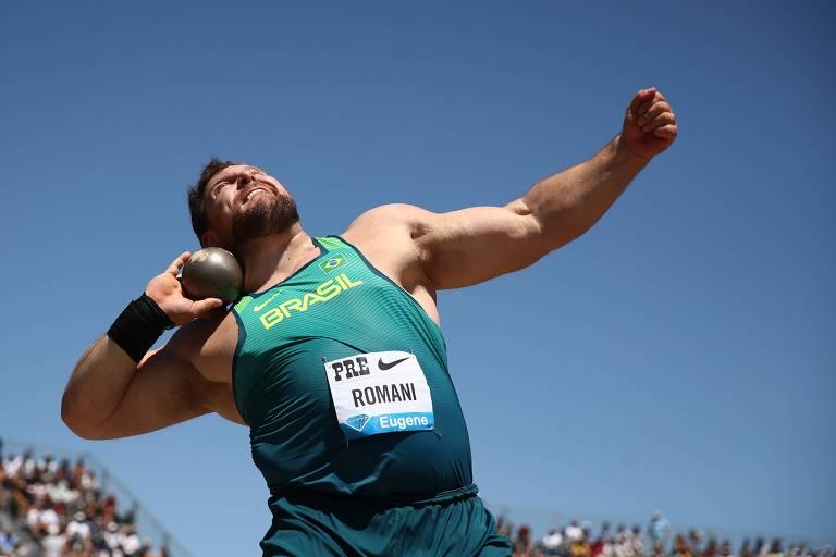 Darlan Romani durante competição de arremesso de peso em Stanford, na Califórnia