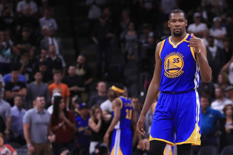 Kevin Durant durante partida pelo Golden State Warriors