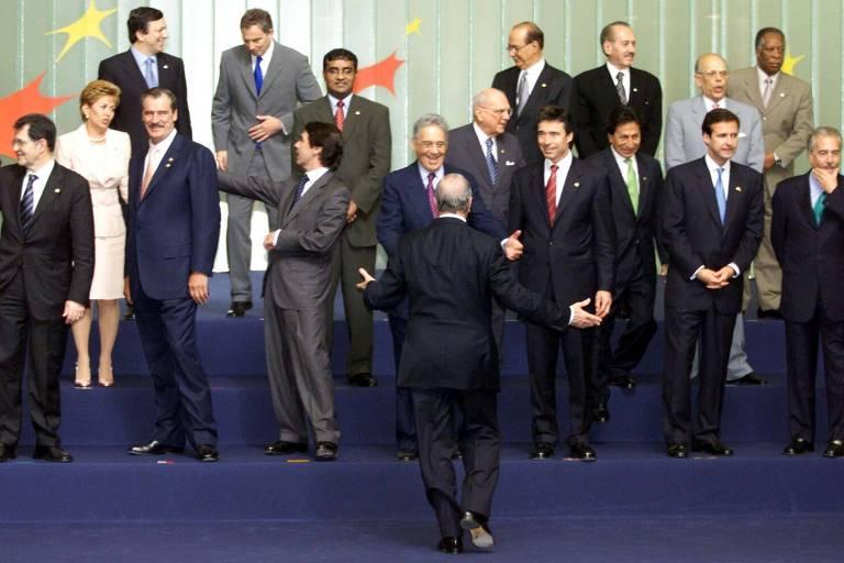 Fernando Henrique Cardoso entre chefes de Estado do Caribe, América Latina e União Europeia