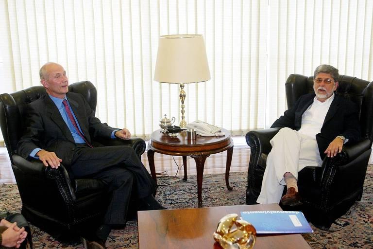 Pascal Lamy, comissário de Comércio da UE (esq.) e o ministro Celso Amorim (Relações Exteriores), durante encontro no Palácio Itamaraty