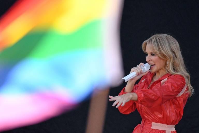 A cantora Kylie Minogue faz show no festival Glastonbury de 2019