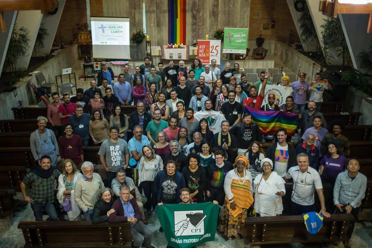 Integrantes de organizações religiosas se reuniram com membros da comunidade LGBTI