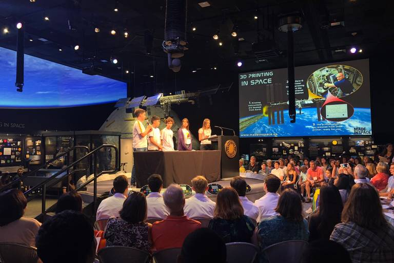 Crianças brasileiras bolam experimento para ser testado na estação espacial internacional e vão à Nasa
