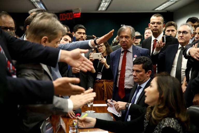 Discussão entre parlamentares na Câmara após depoimento de Sergio Moro