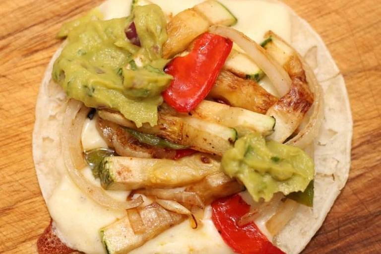 Taco vegano de abobrinha grelhada servido no Mexicano da Rua 7, na Vila Curuçá