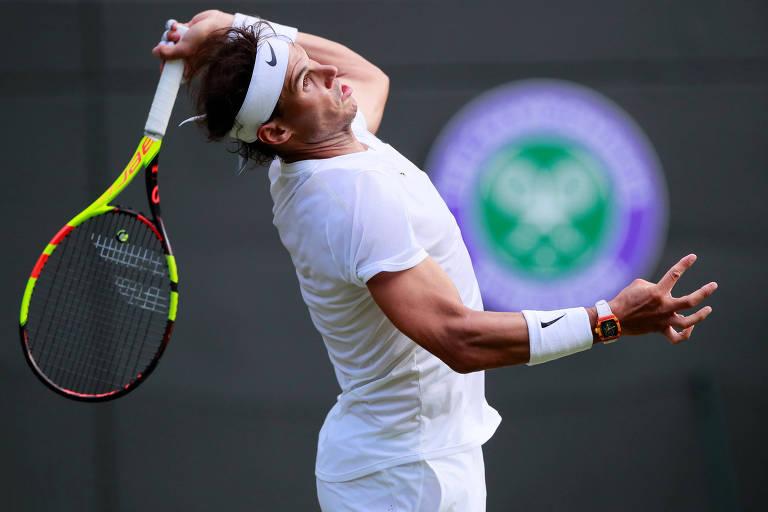 Nadal durante a partida de estreia no torneio de Wimbledon, em 2019, contra o japonês Yuchi Sugita