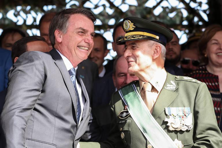 Jair Bolsonaro e o general de Luiz Eduardo Ramos
