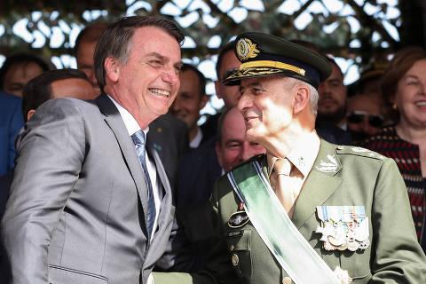 'Dublês' de ministro general assumem articulação política de Bolsonaro