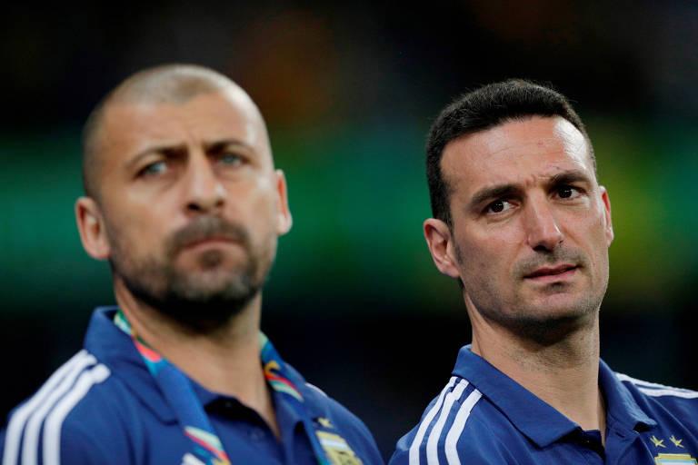 Scaloni e Walter Samuel na derrota para o Brasil, pela semifinal da Copa América