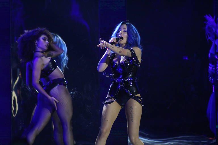 Veja imagens da cantora pop Halsey