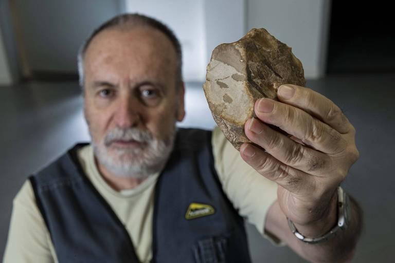 Pedra lascada indica que ancestrais humanos saíram da África mais cedo