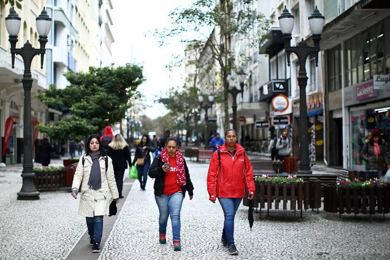 150 mil pessoas devem ficar sem água por dia em Curitiba até sexta