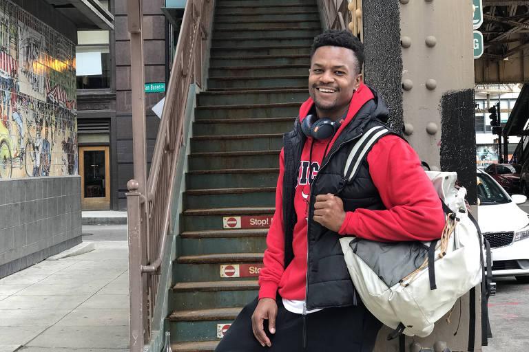 Ramon (David Junior) usa estilo rapper