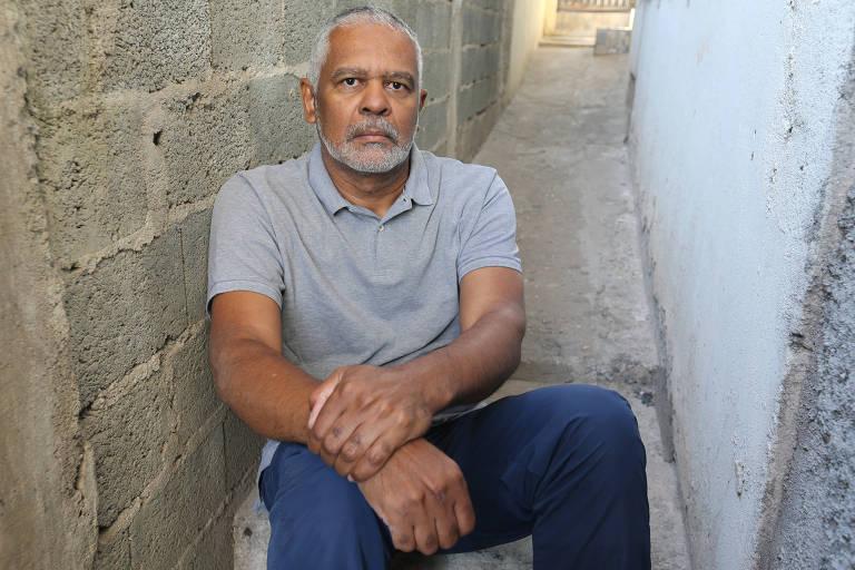 Ailton Francisco dos Santos tem 55 anos de idade e a soma de 35 anos de contribuição, incluindo um período de insalubridade por ter trabalhado como segurança de carro forte nos últimos 14 anos