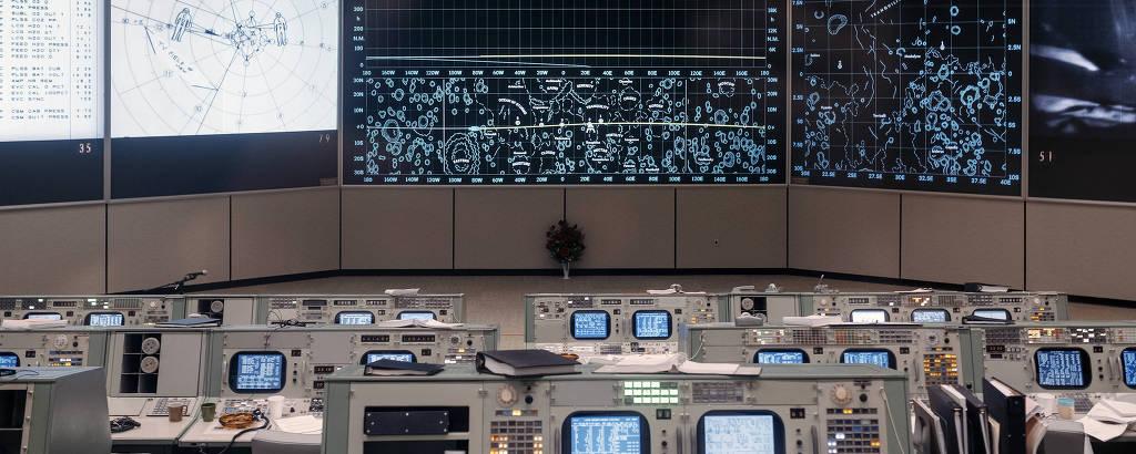 A sala de controle do Johnson Space Center, em Webster, Texas