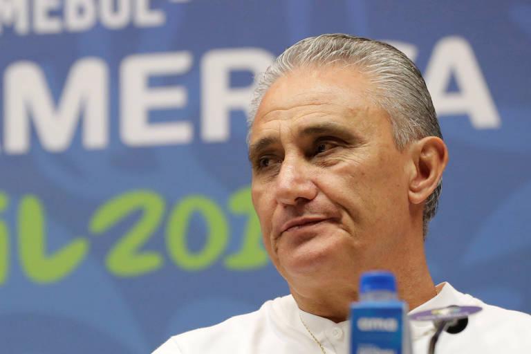 O técnico Tite, da seleção brasileira, durante coletiva na véspera da final da Copa América
