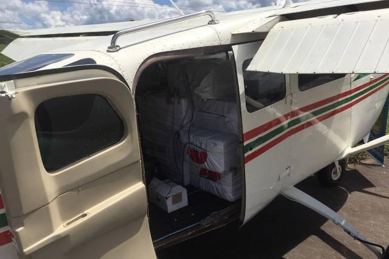 Polícia Federal apreende avião com 450 kg de cocaína em Roraima