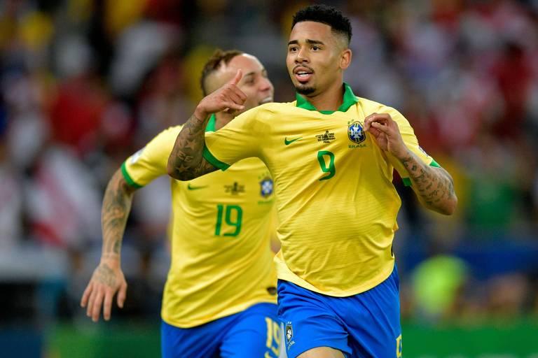Gabriel Jesus comemora seu gol, o segundo gol do Brasil na final da Copa América, contra o Peru, no Maracanã