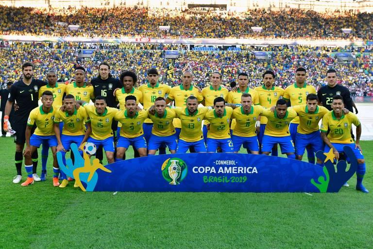 Time da seleção brasileira em foto oficial antes da Copa América