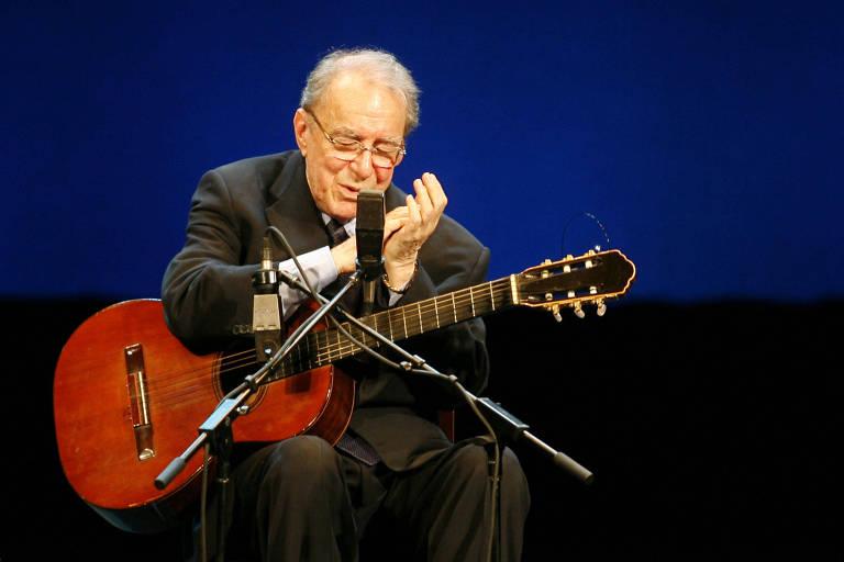 João Gilberto en concierto en Río de Janeiro en 2008 en comemoración a los 50 años de bossa nova