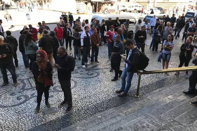 Veja imagens do velório e do enterro de João Gilberto