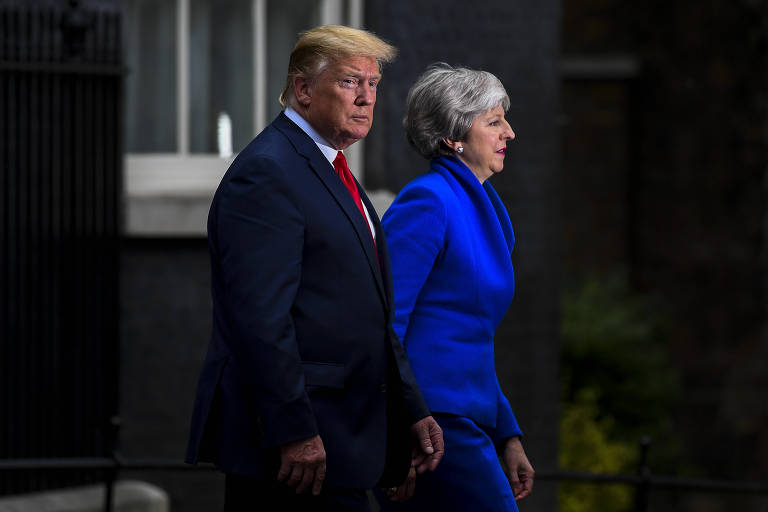 O presidente dos EUA, Donald Trump, e a primeira-ministra do Reino Unido, Theresa May, em Londres