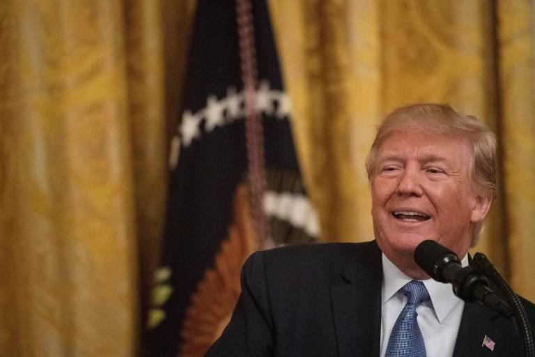 Donald Trump em Washington nesta segunda (8)