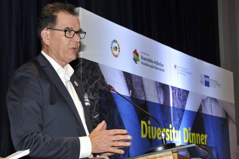 Ministro alemão de Cooperação econômica e Desenvolvimento, Gehard Müller, em evento da AHK